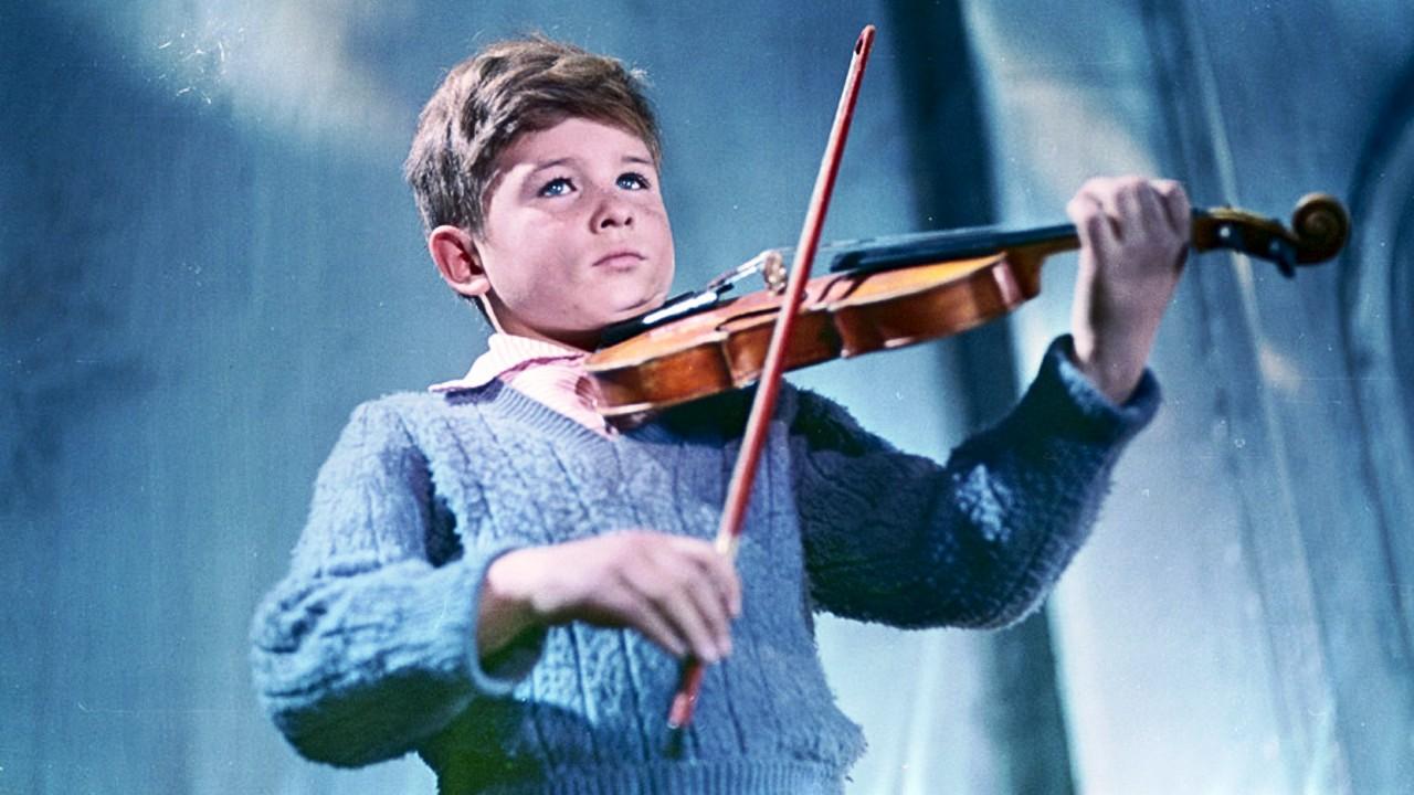 Il rullo compressore e il violino - CineFatti